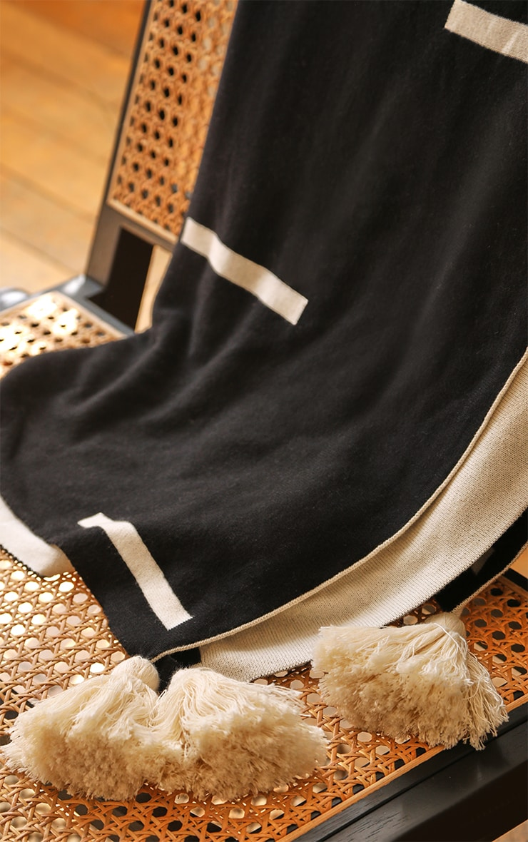 Cream Soft Knitted Reverse Dash Tassel Throw 4