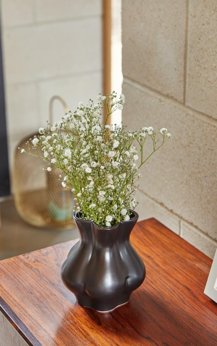 Black Bum Vase 1