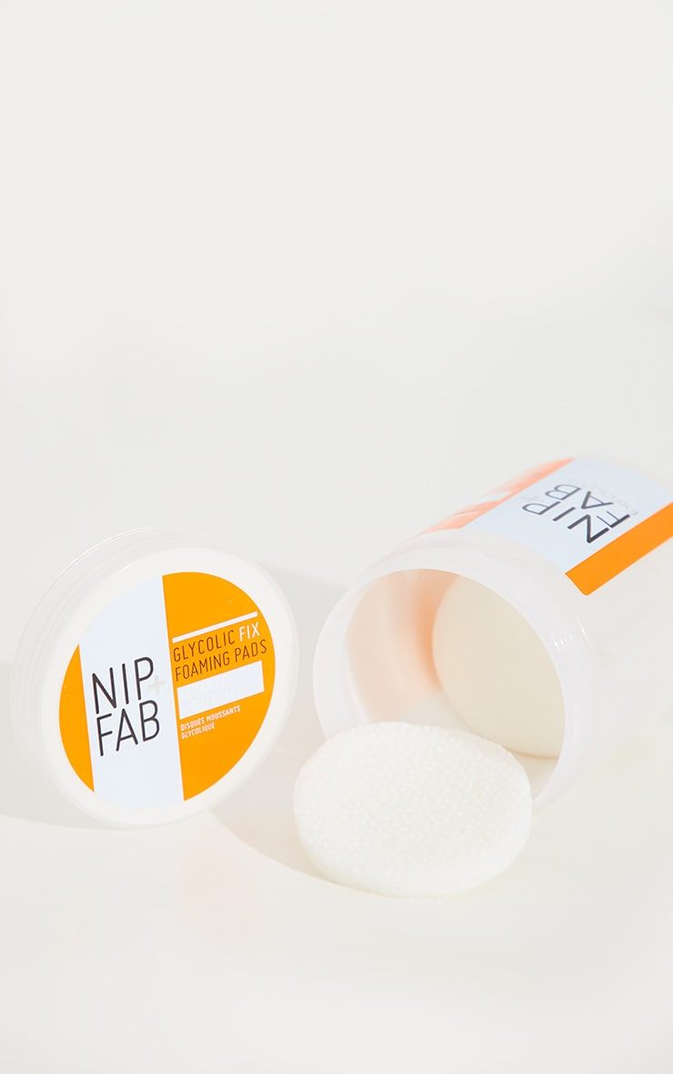 Nip + Fab Glycolic Fix Foaming Pads  3