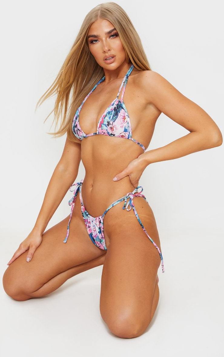 Top de bikini multicolore imprimé floral dos nu à mini triangles froncés 3