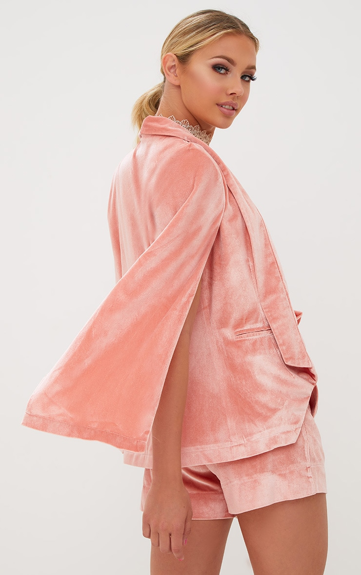 Blazer cape en velours rose 2
