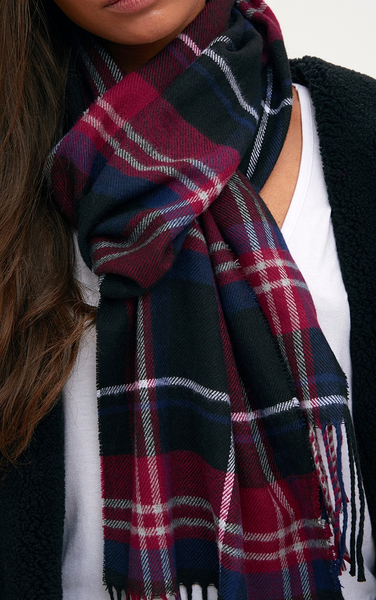 Navy Checked Scarf 2