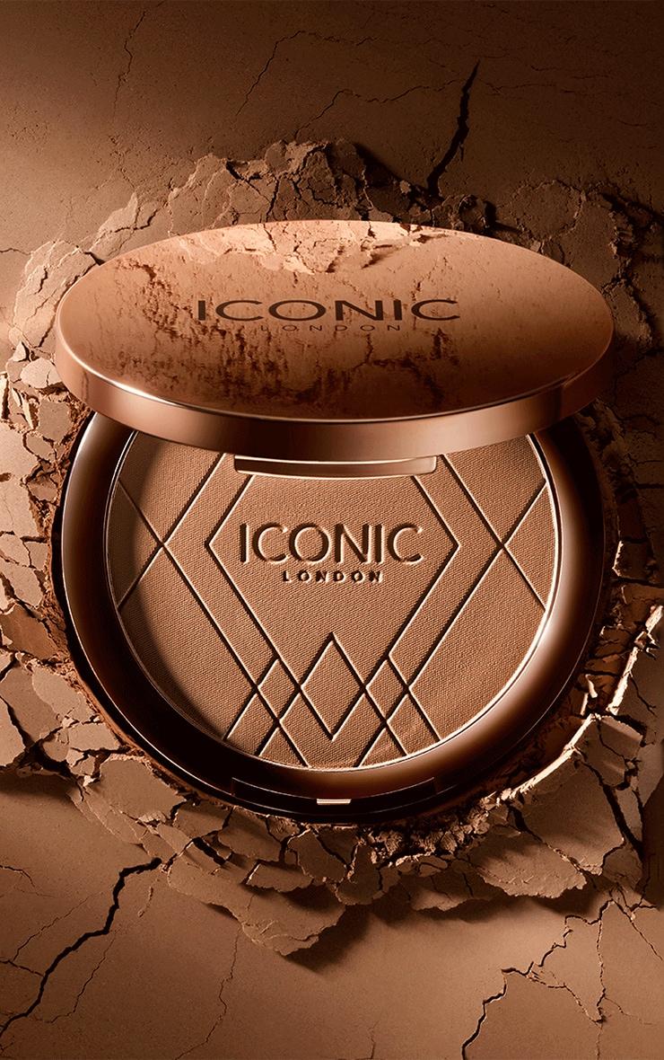 Iconic London Ultimate Bronzing Powder Warm Bronze 1