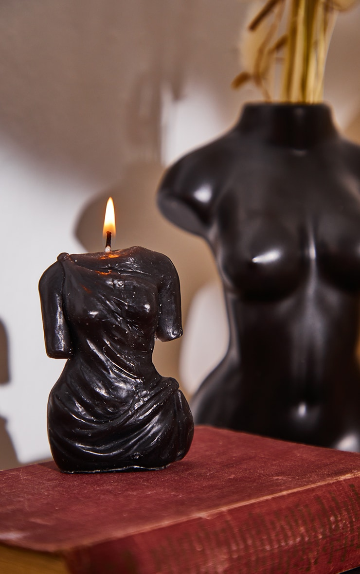 Black Amber Scented Aphrodite Candle 1