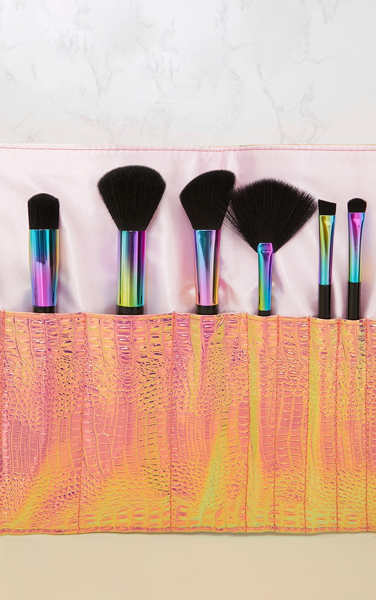 PRETTYLITTLETHING Holographic Make Up Brush Roll 3