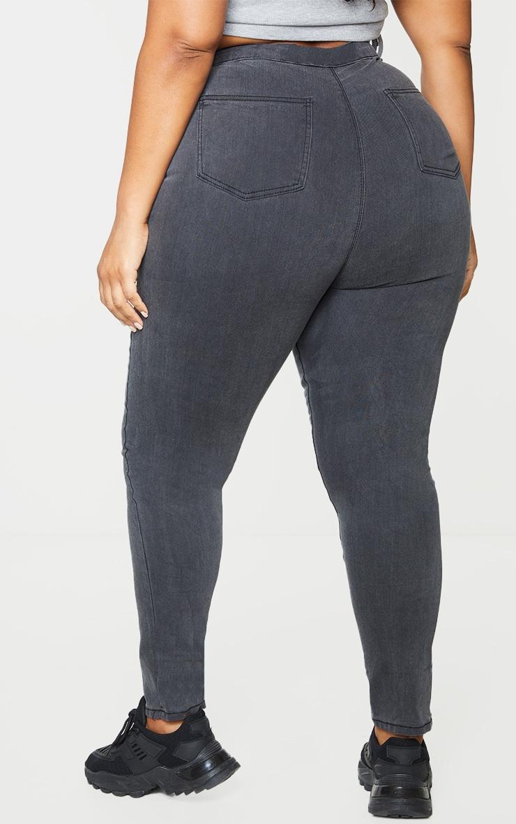 PRETTYLITTLETHING Plus Washed Black Disco Skinny Jean 3