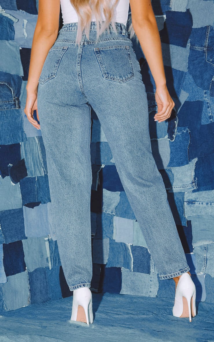 PRETTYLITTLETHING Mid Blue Knee Rip Straight Leg Jean 4