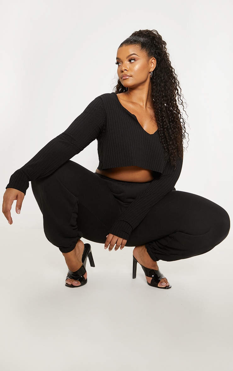 Plus Black Long Sleeve Rib Raw V Crop Top 4