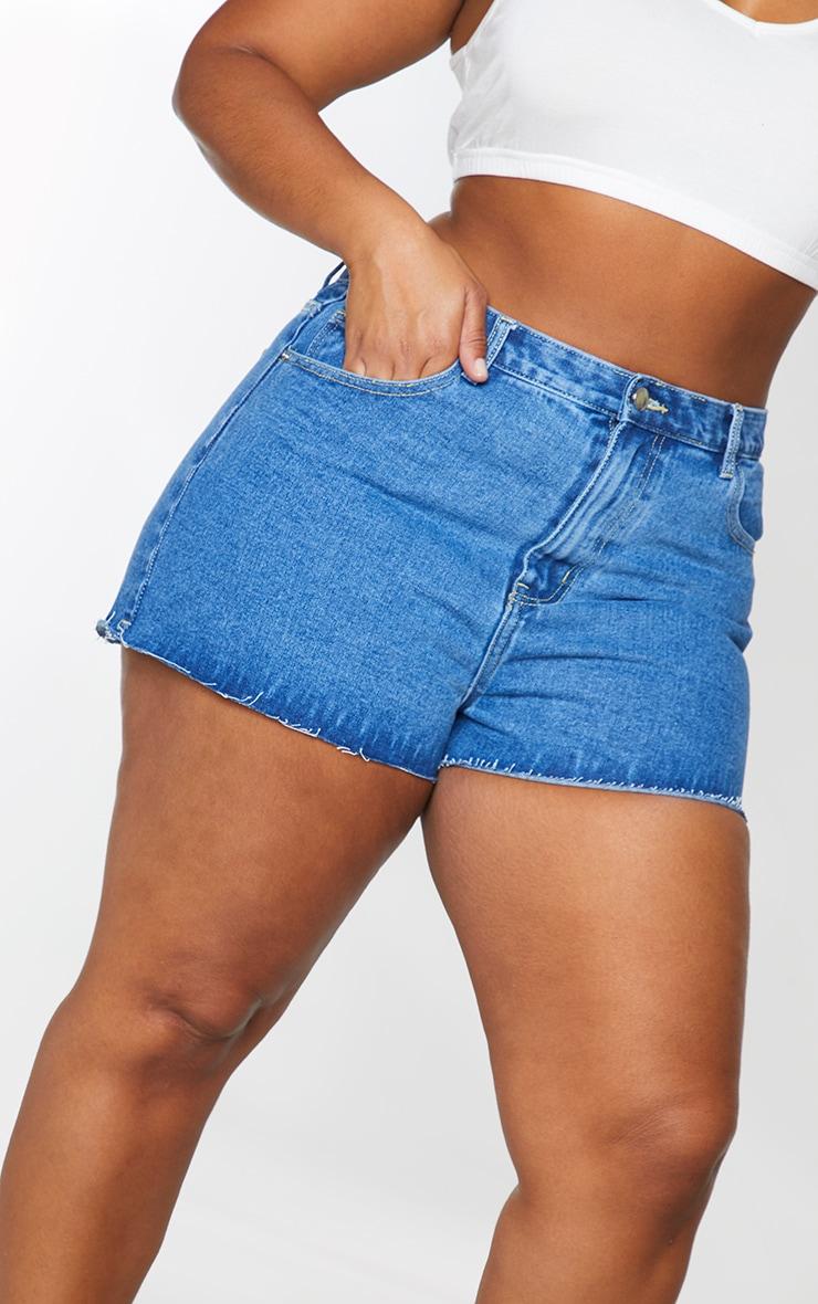 PLT Plus - Short en jean bleu moyennement délavé à ourlet coupé 5