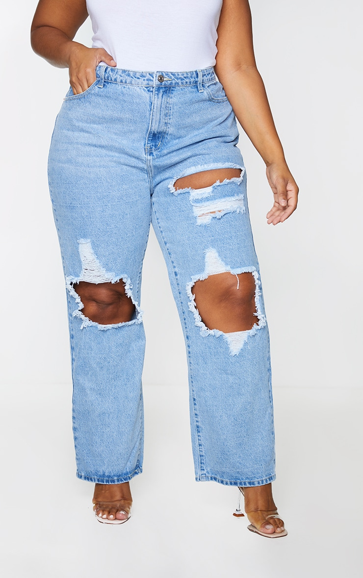 PRETTYLITTLETHING Plus Light Wash Distressed Straight Leg Jeans 2