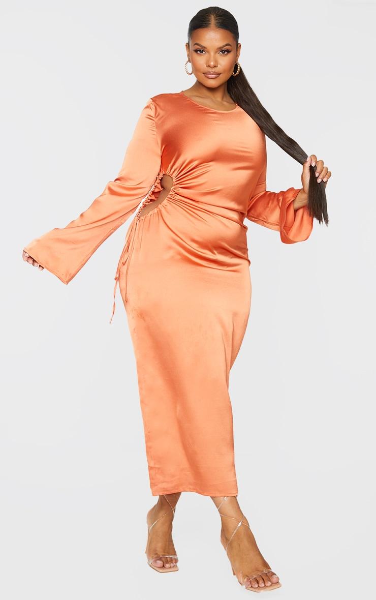 PLT Plus - Robe longue orange satinée à découpes et manches longues 3