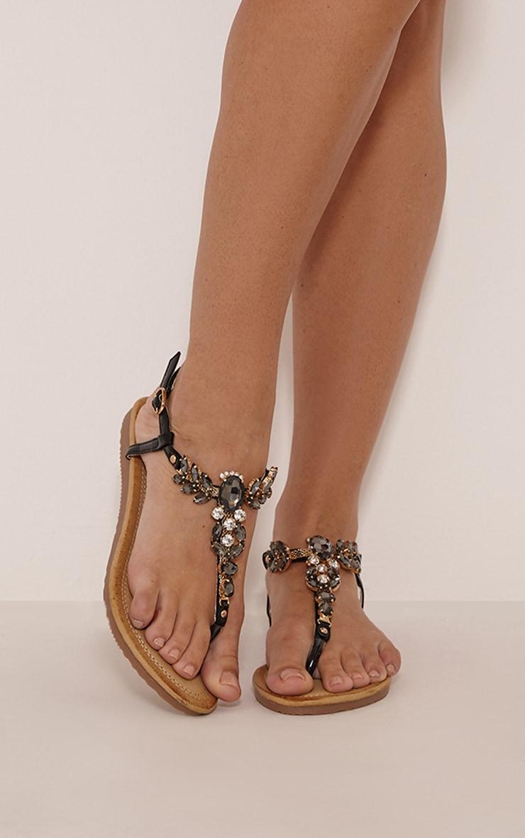 Samira sandales avec bijoux vernies noires 1