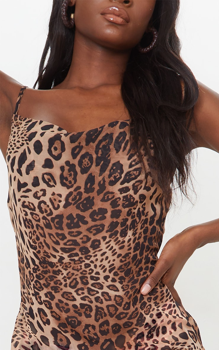 Tall - Robe longue en mesh imprimé léopard marron à col bénitier et bretelles 4
