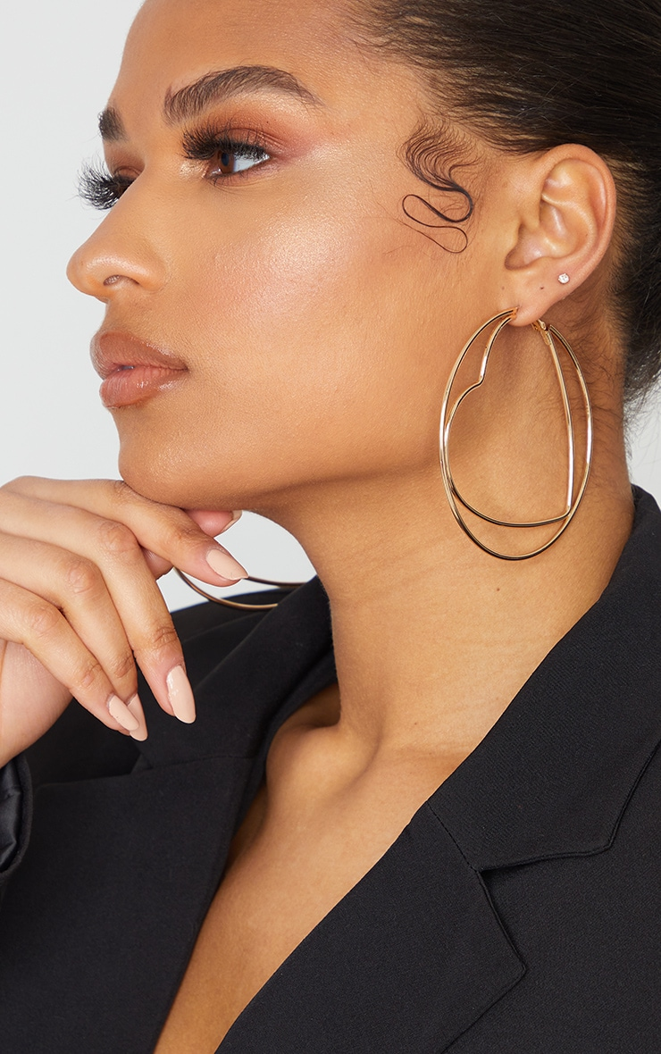Gold Oversized Heart Circular Hoop Earrings 1
