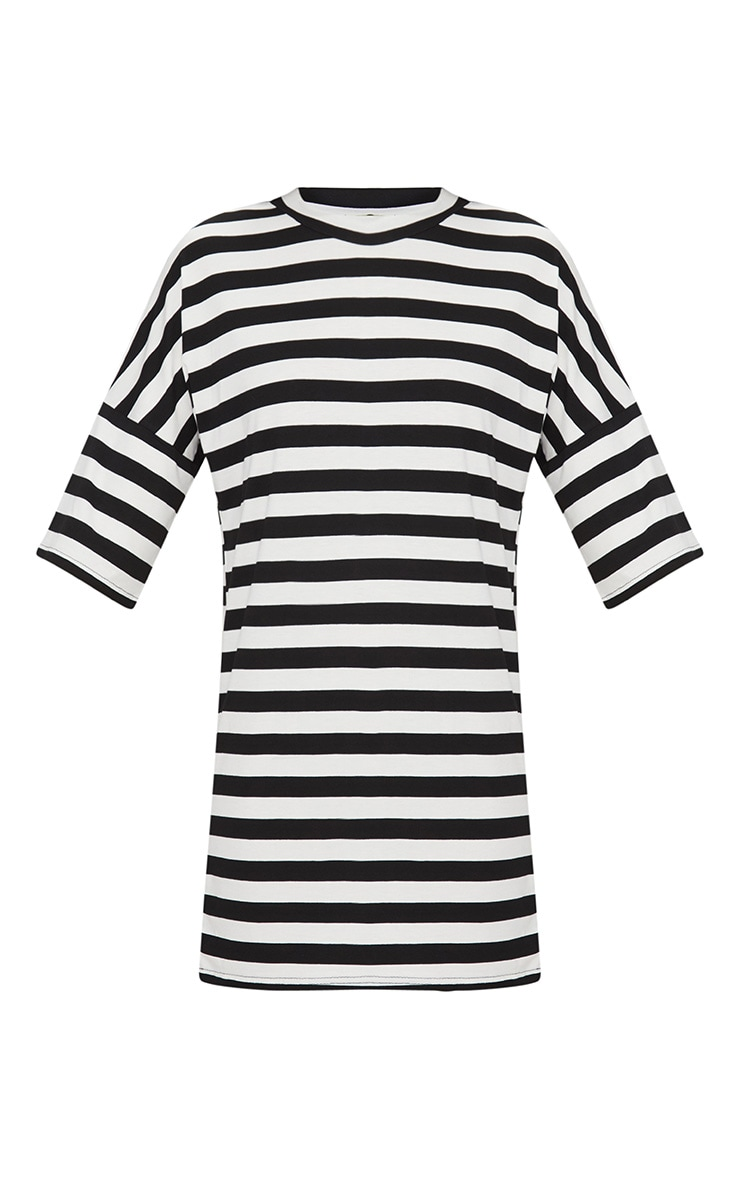 Robe T-shirt oversized à rayures noires et blanches 3