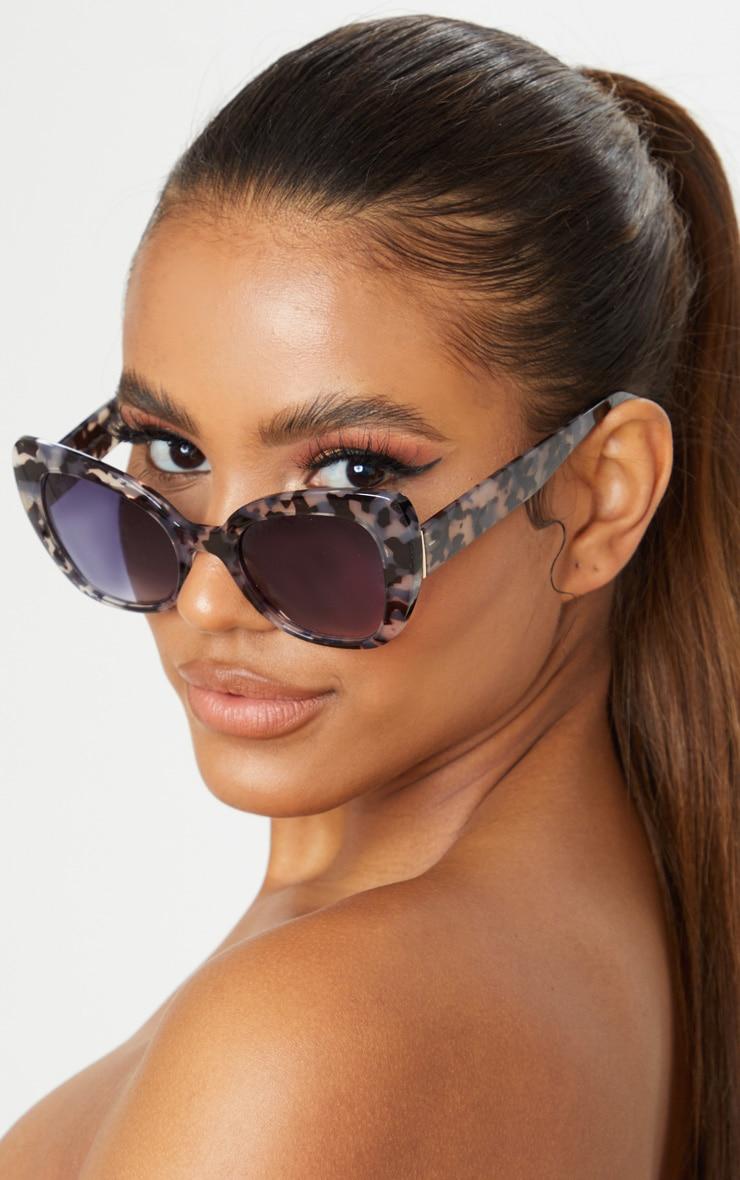 Black Tortoiseshell Cat Eye Sunglasses 1