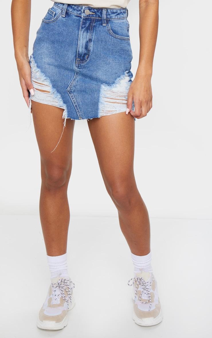 Mini-jupe en jean moyennement délavé déchiré 2