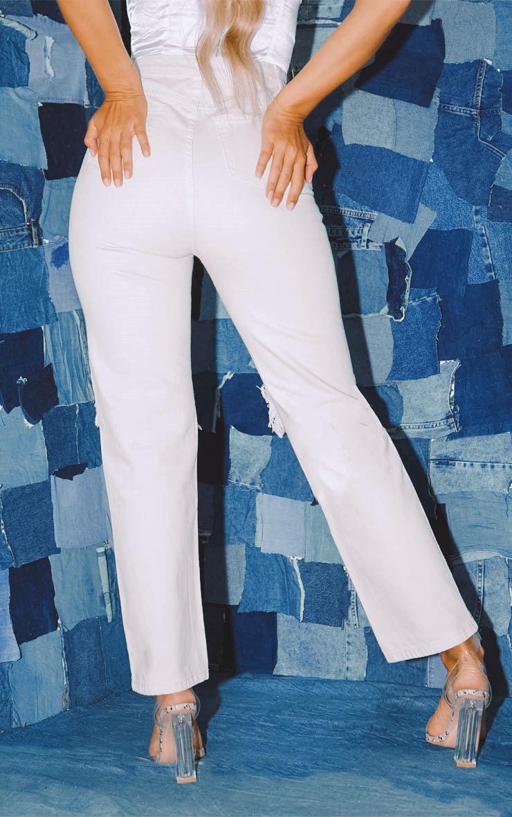 PRETTYLITTLETHING Ecru Knee Rip Straight Leg Jeans 4