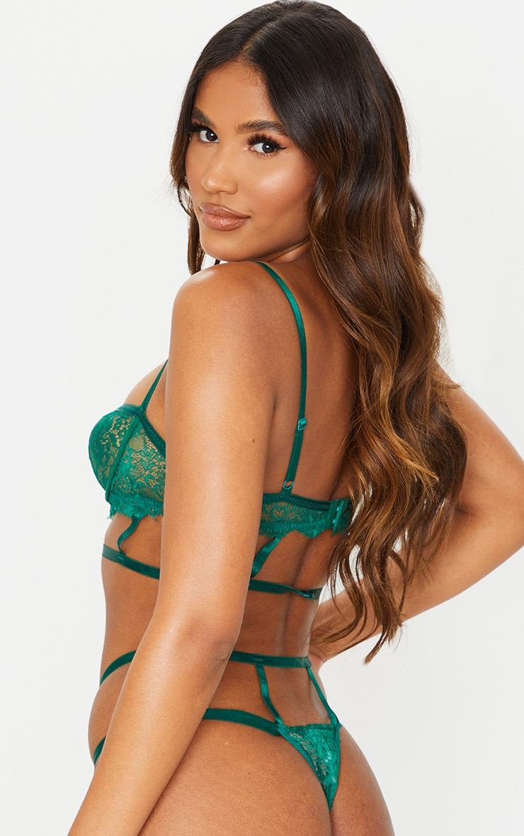 Green Cut Out Detail Strapping Underwired Lingerie Set 2