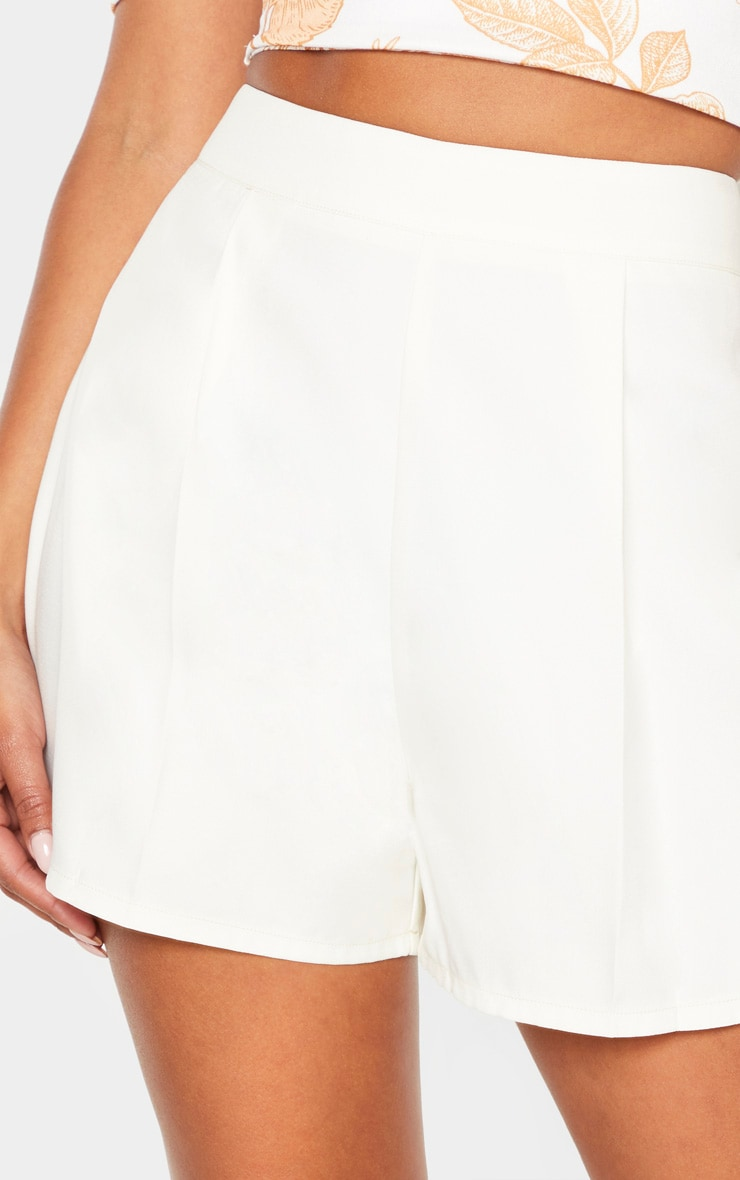 White Woven Pleat Front Tailored Short 6