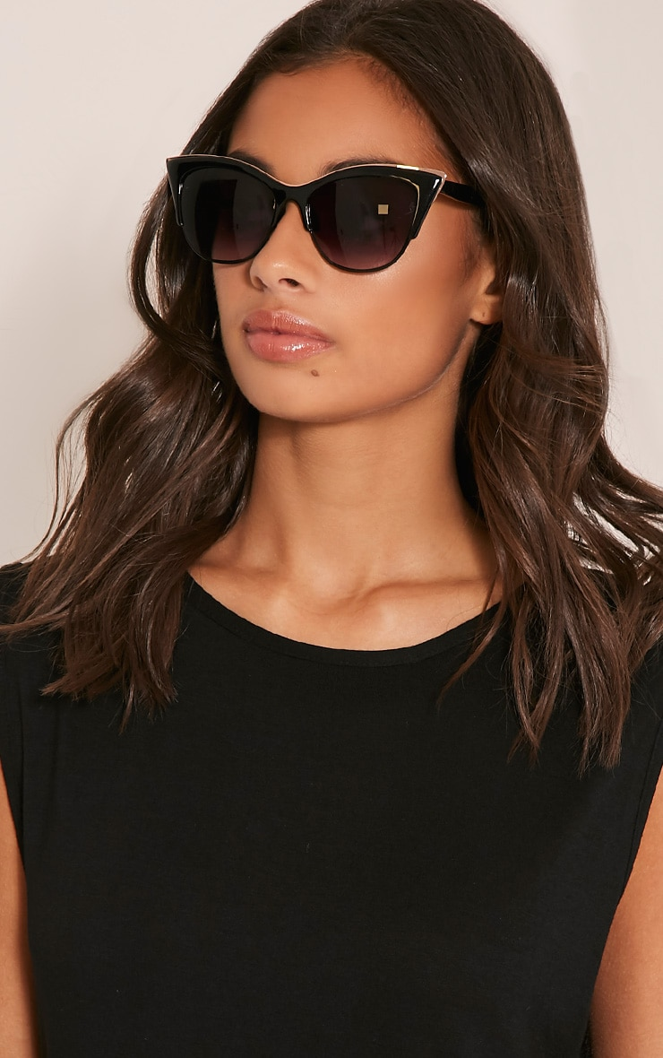 Rio Black Retro Frame Sunglasses 2