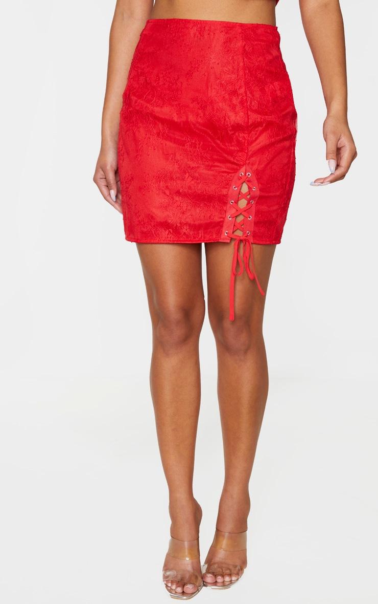 Mini-jupe en dentelle transparente rouge à fente et lien 2