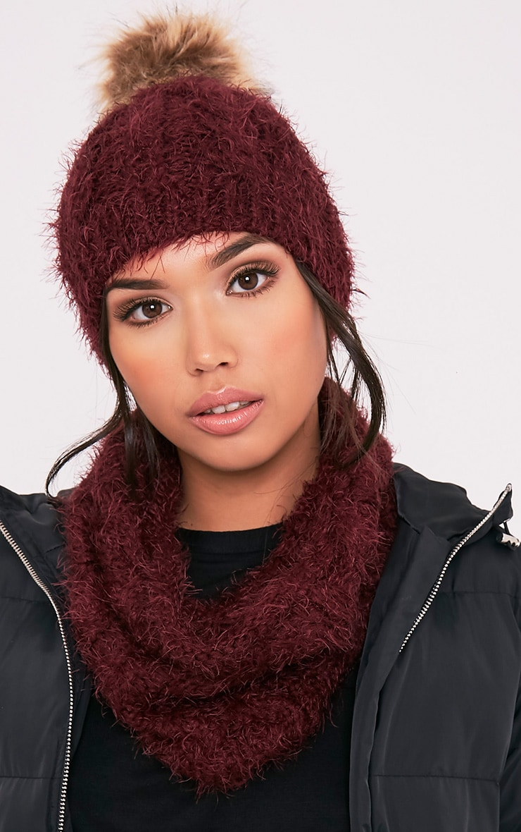 Two Pack Burgundy Knitted Beanie and Snood 1