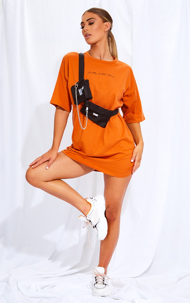 PRETTYLITTLETHING Rust Slogan Oversized Boyfriend T Shirt Dress 1