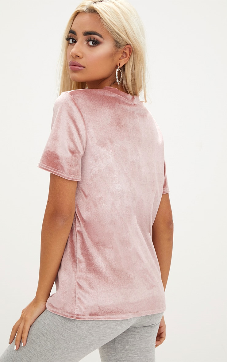 PRETTYLITTLETHING Blush Embroidered Logo Velvet T Shirt  2