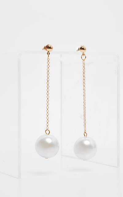 Gold Chain and Pearl Drop Earring