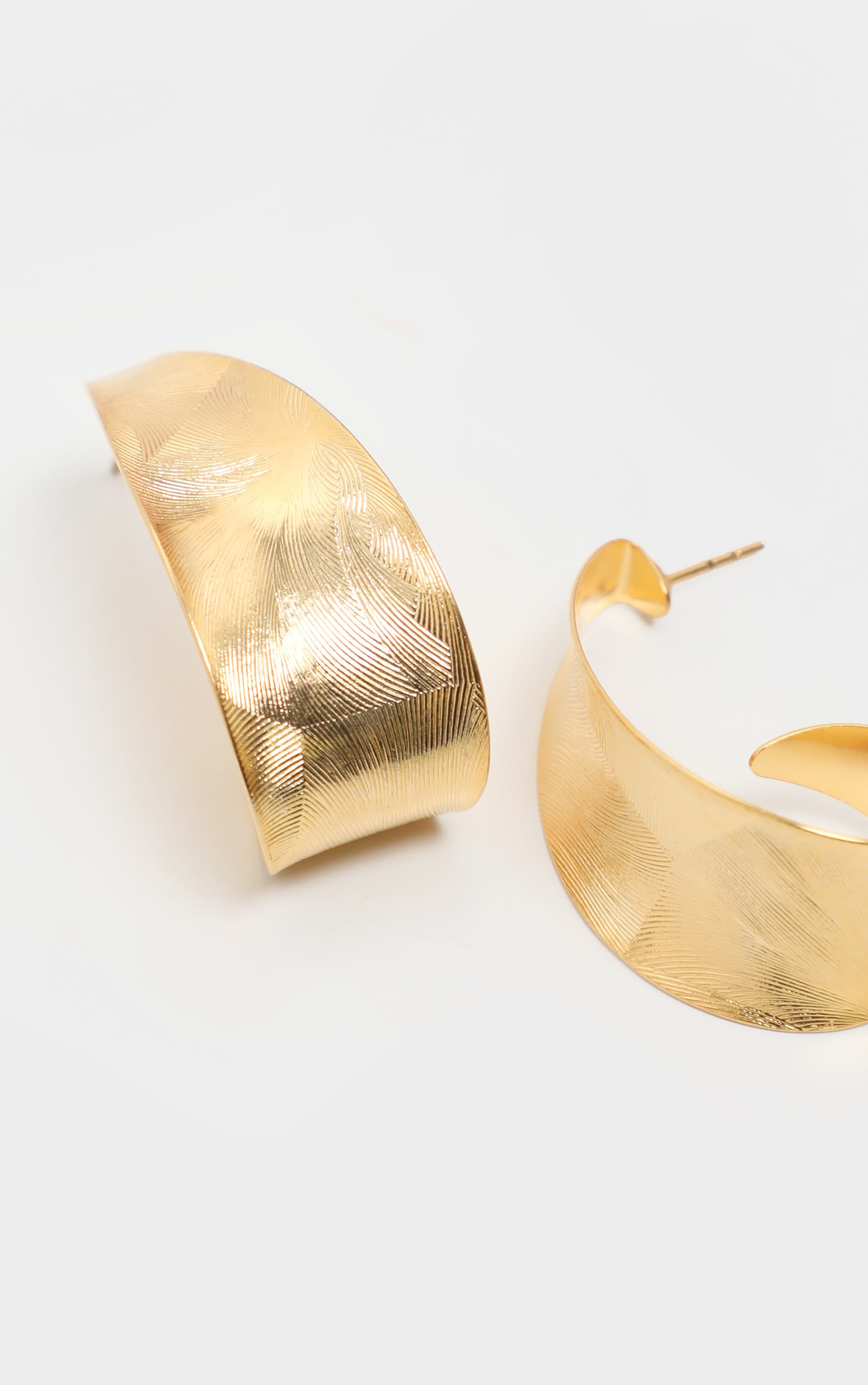 Gold Swirl Drop Earrings 3