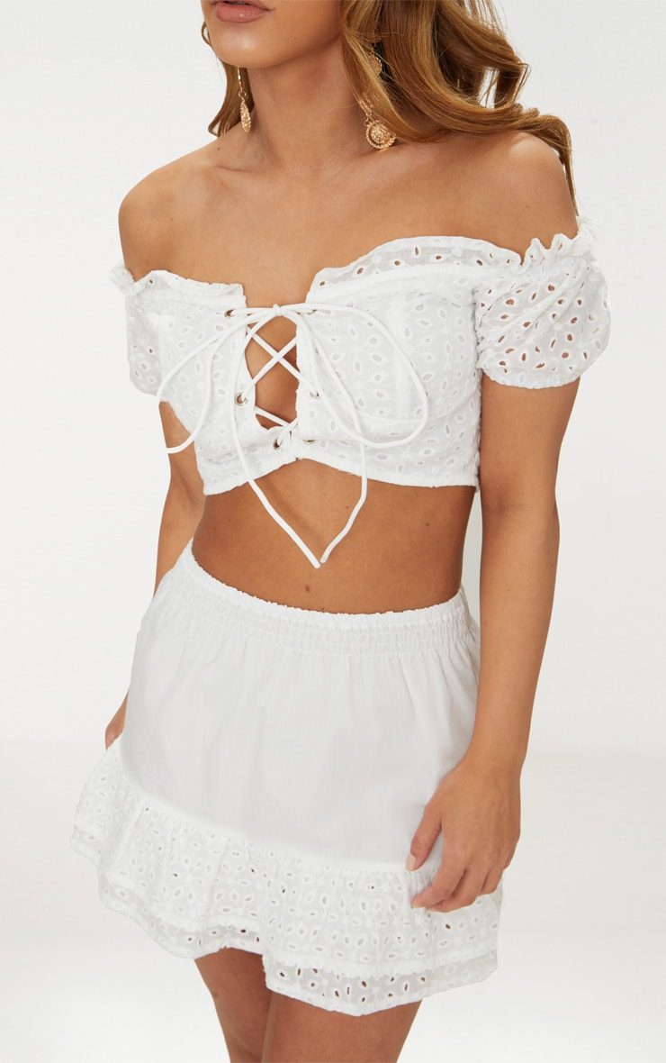 Petite  White Lace Up Detail Broderie Anglaise Crop Top 5