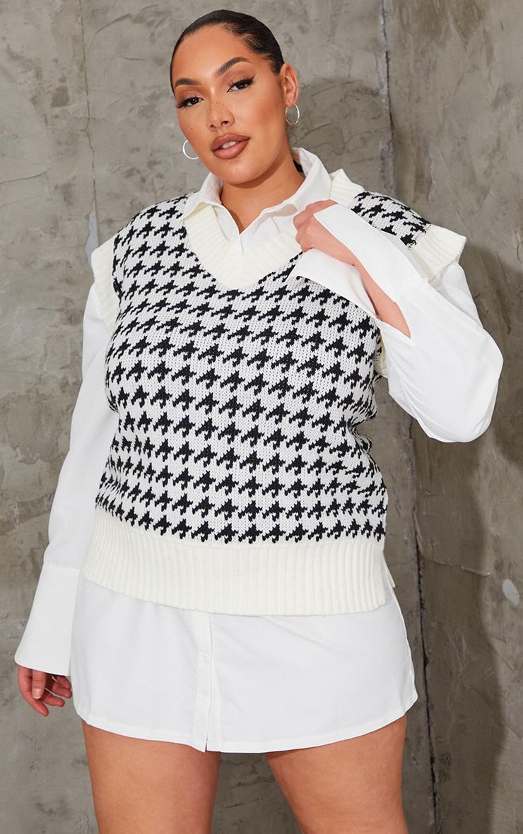 Plus Monochrome Dogstooth V Neck Knitted Side Split Vest 1