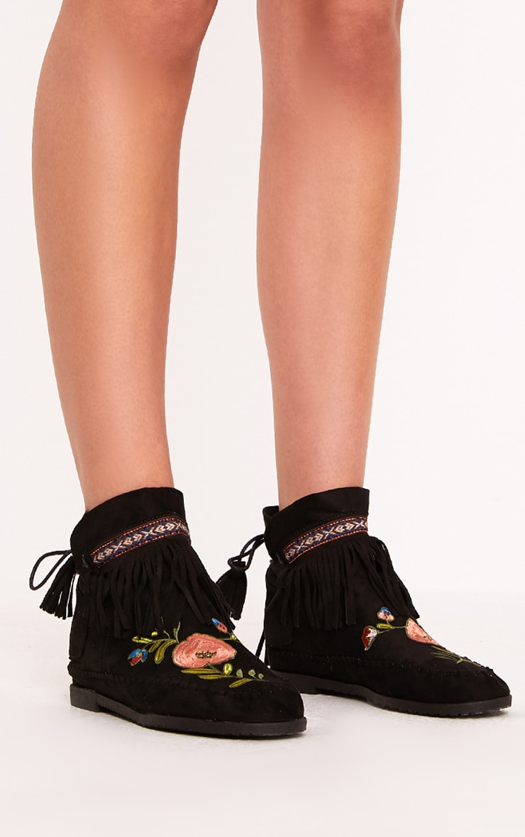 Saz Black Embroidered Fringed Boots 3