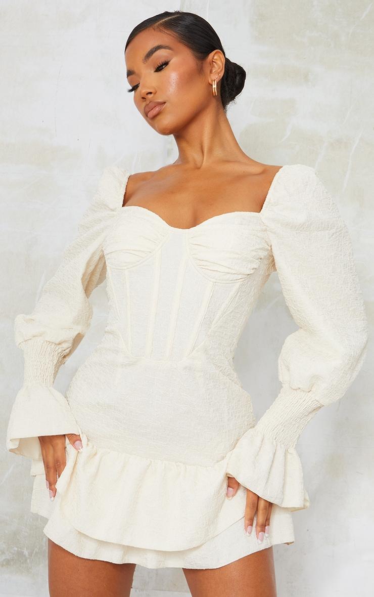 Robe moulante crêpée champagne à manches froncées et taille corset 1
