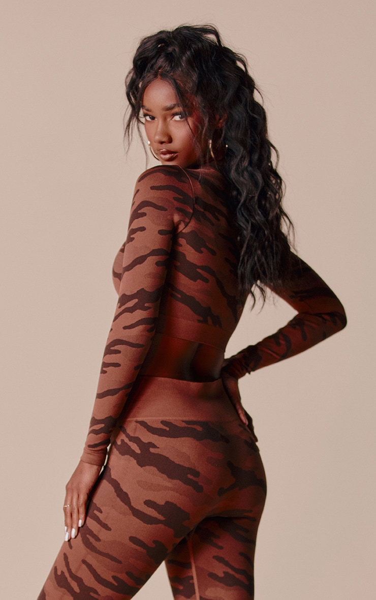 Mocha Camo Seamless Long Sleeve Zip Up Top 2