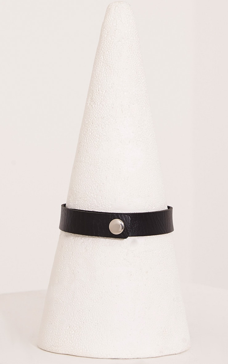 Ariana Black Faux Leather Ring Detail Choker 3