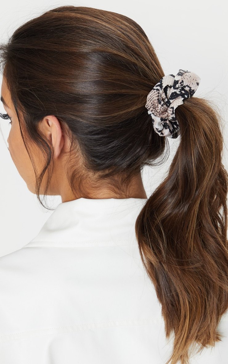 Nude Snake Print Scrunchie 1