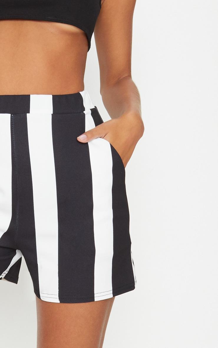 Black Stripe Pocket Short 6