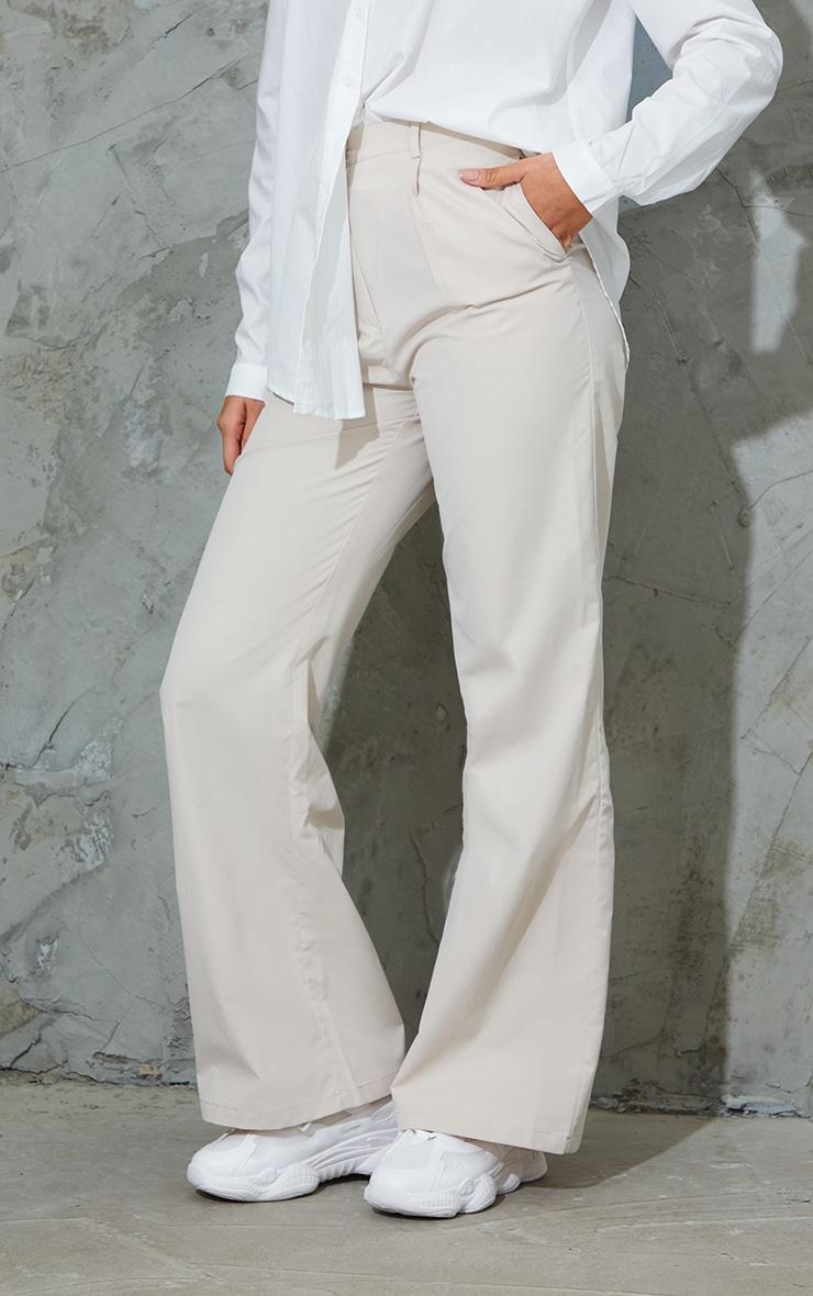 Pantalon droit en peau de pêche gris pierre 2