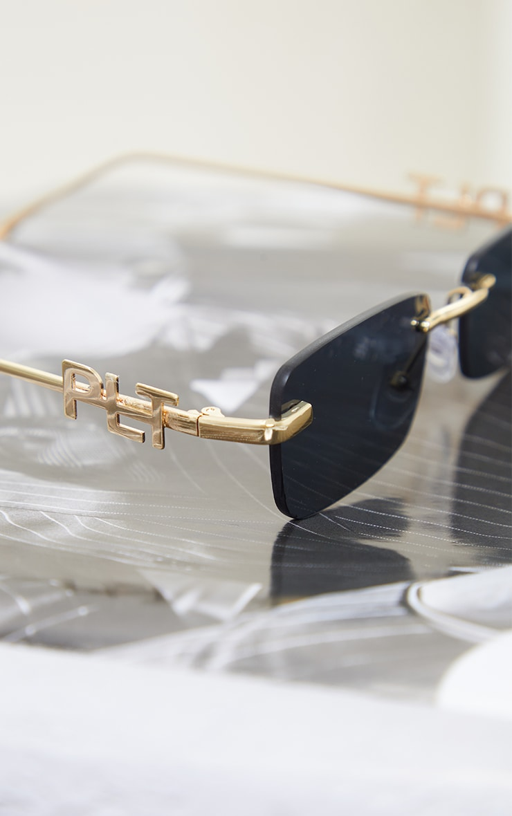 PRETTYLITTLETHING Gold Branded Temple Square Frame Sunglasses 3