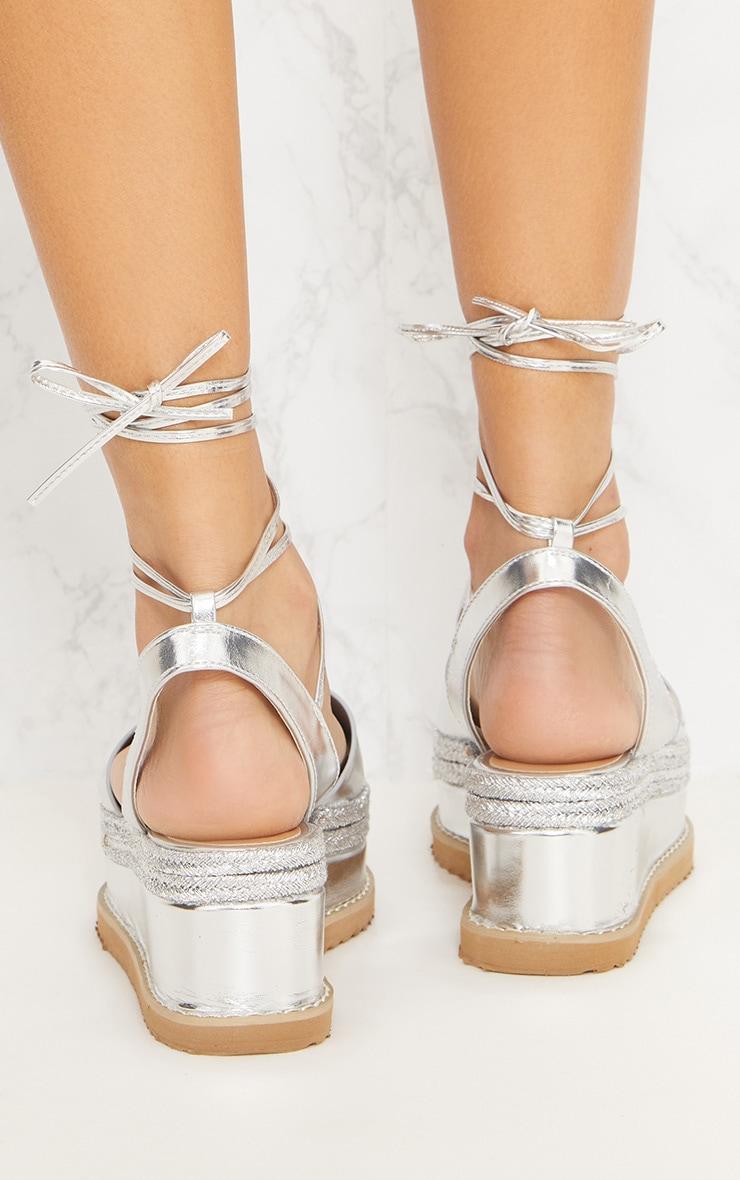Sandales espadrilles argentées à talon plateforme 4