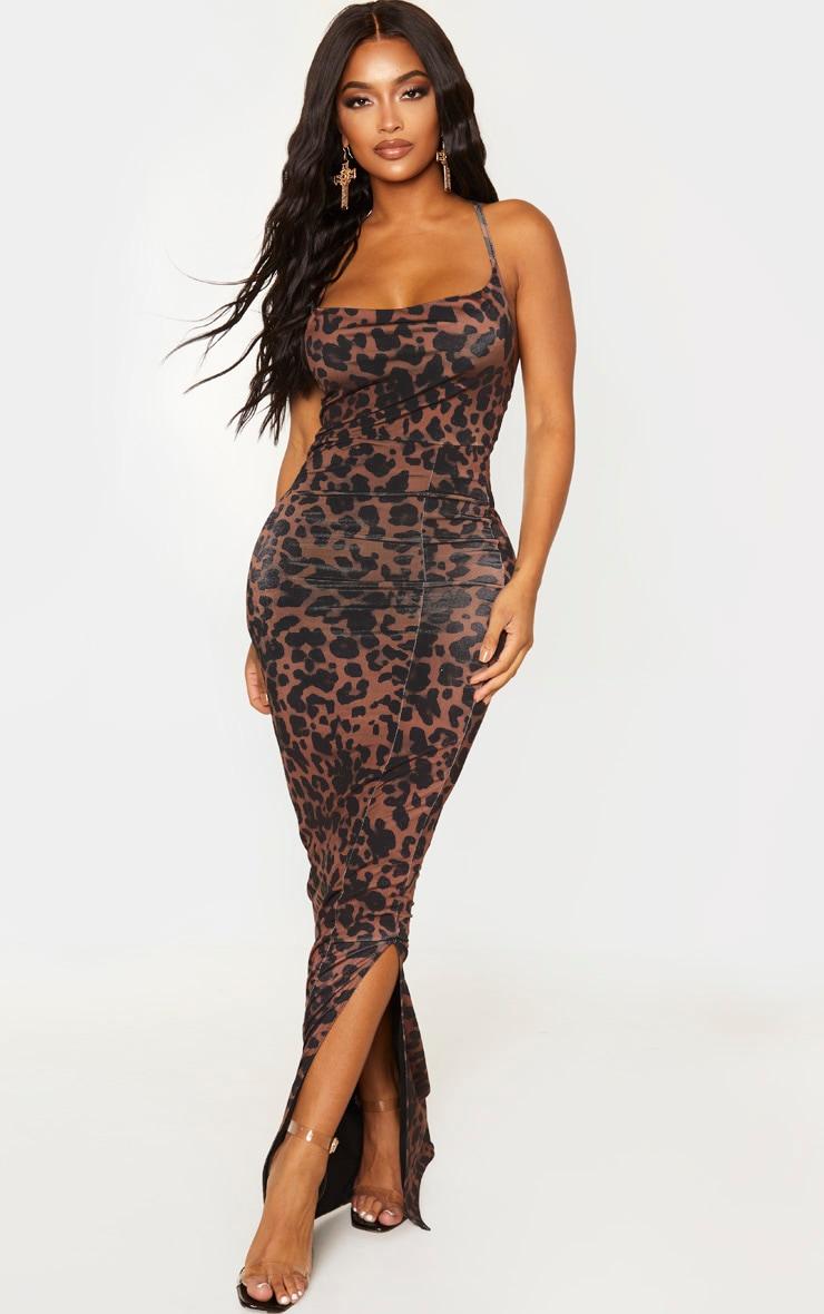 Shape - Robe longue marron slinky à imprimé léopard et col bénitier 1