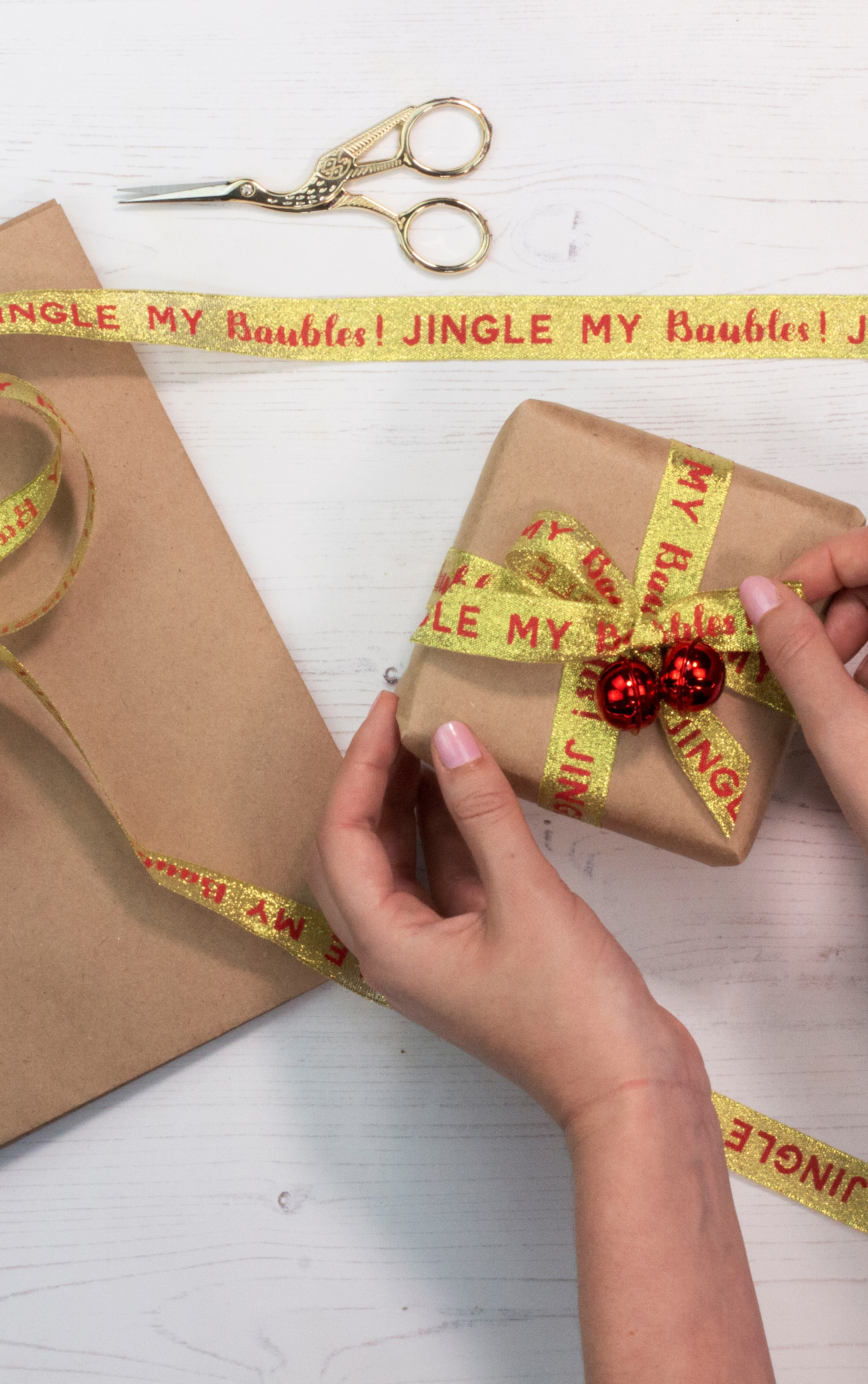 Ginger Ray Jingle my bells wrap Kit with bells ribbon and kraft wrap 1