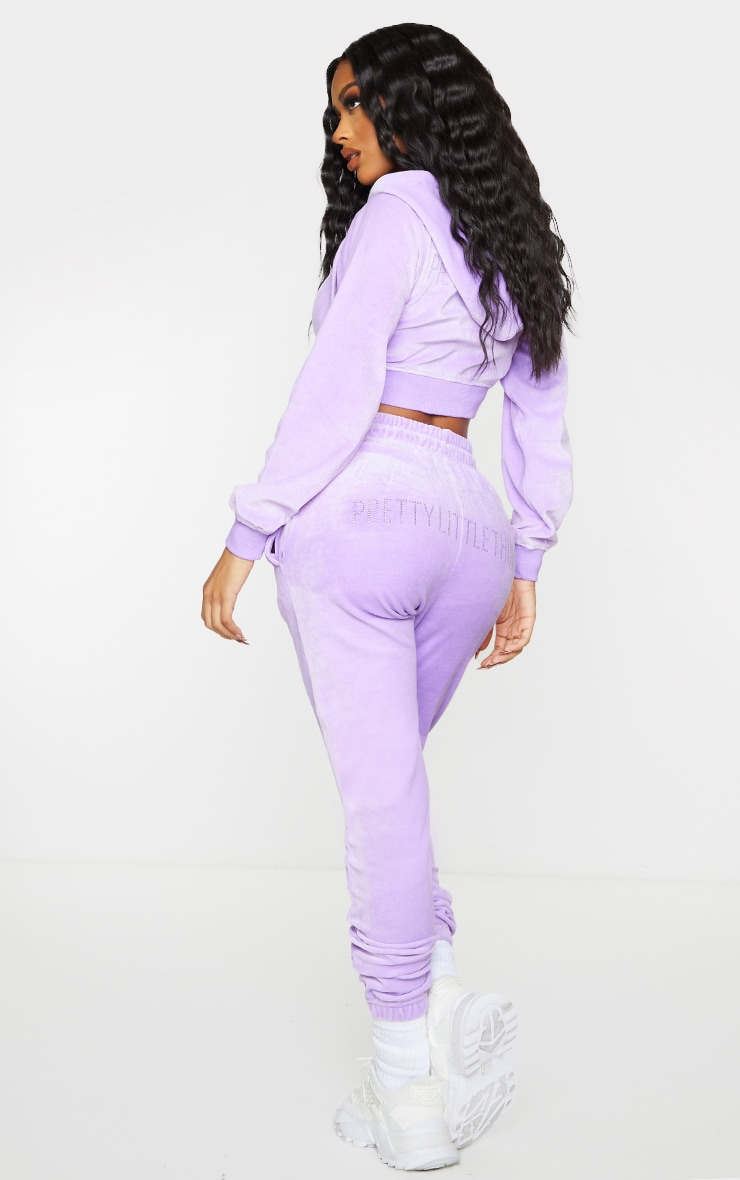 PRETTYLITTLETHING Shape Lilac Velour Skinny Joggers 1