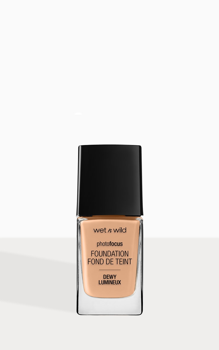 Wet n Wild Photo Focus Foundation Dewy Classic Beige 1