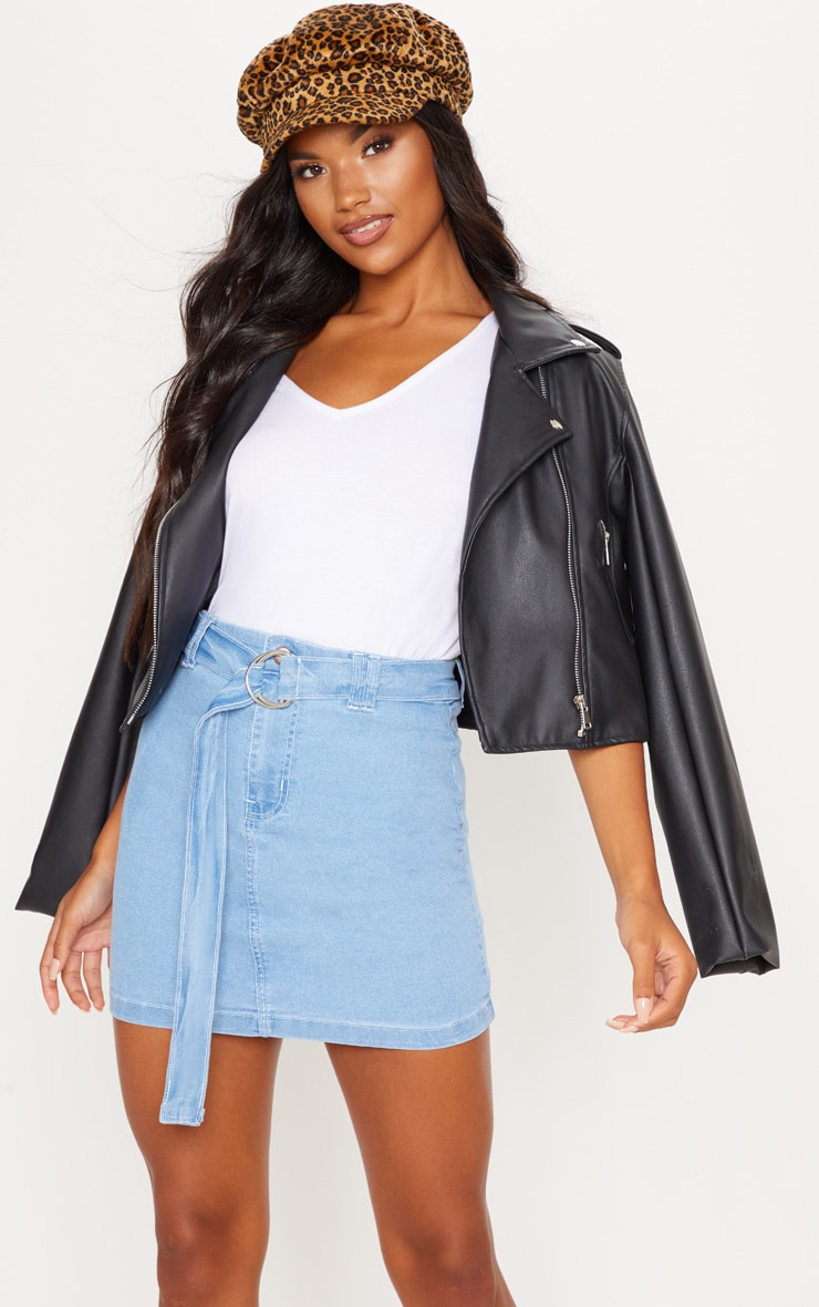 Mini-jupe en jean délavé à détail anneau