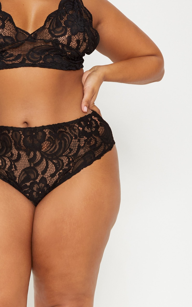 Plus Black Scallop Edge Lace Knicker 5