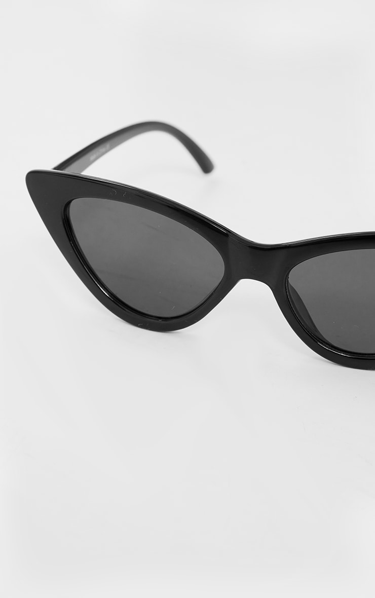 Black Cat Eye Retro Sunglasses 3