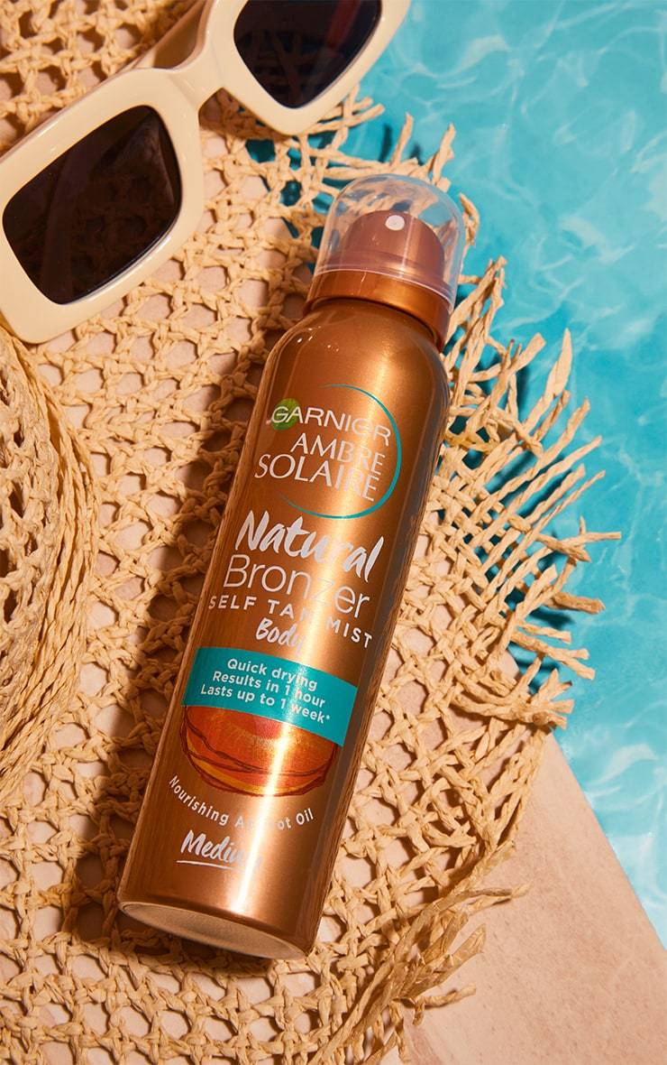 Garnier Ambre Solaire Natural Bronzer Quick Drying Body Self Tan Mist Fake Tan Medium 1